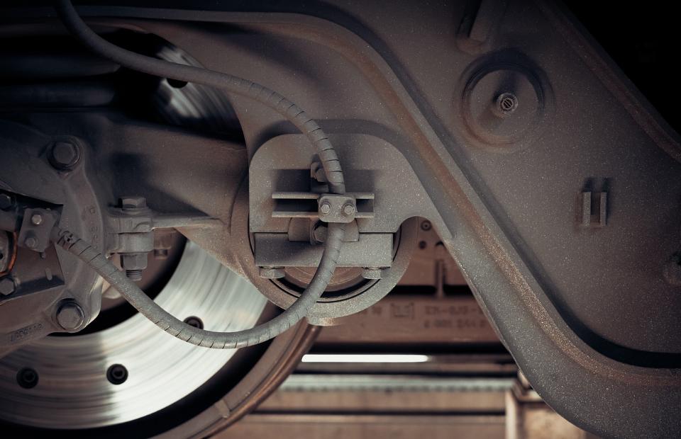 Bremsenansicht von der unterseite des Autos